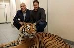 Николай Валуев сфотографировался с тигром Запашных без клетки