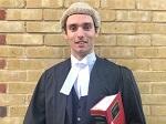 >Впервые в мире: защитник прав животных и юрист представляет веганский парик, сделанный из конопли вместо конского волоса