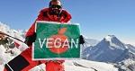100% вега́нский Эверест. Альпинист-вега́н поднялся на высочайшую вершину мира - Эверест без использования каких-либо продуктов животного происхождения, включая оборудование и одежду